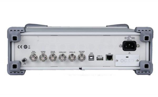 Generadores de RF SIGLENT SSG5000X panel posterior